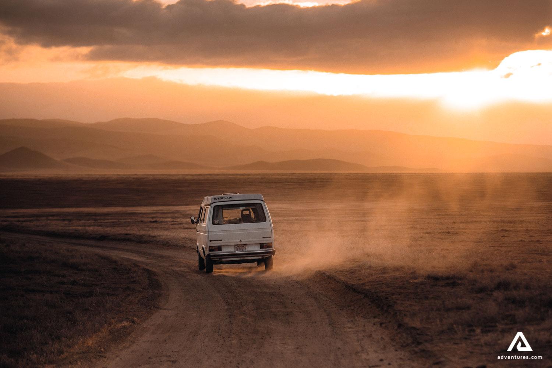 Van tour off road