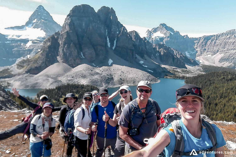 Happy hikkers selfie