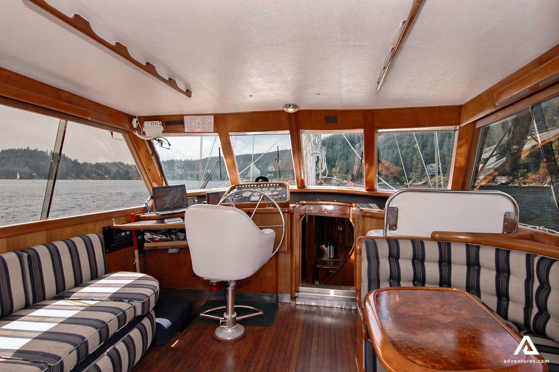 Sailing boat cabin