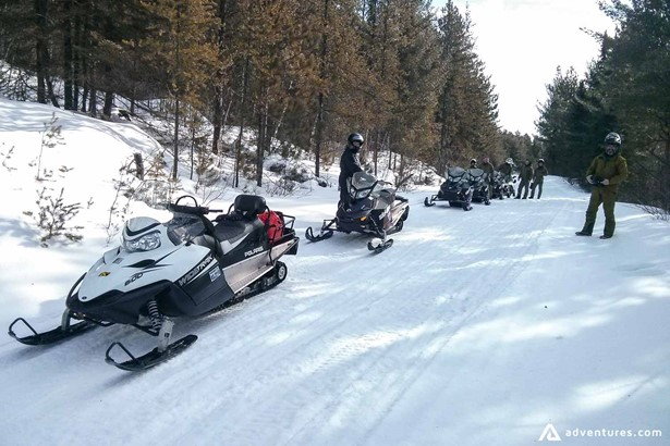 Lodge to lodge snowmobiling in Algonquin Provincial Park