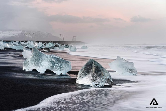 A Complete Guide to Diamond Beach in Iceland