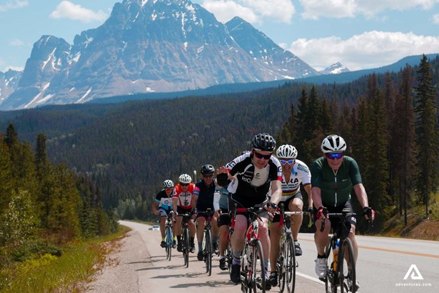 A group of people on a cycling tour in the Alberta