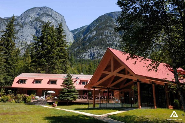 Lodges in Canada
