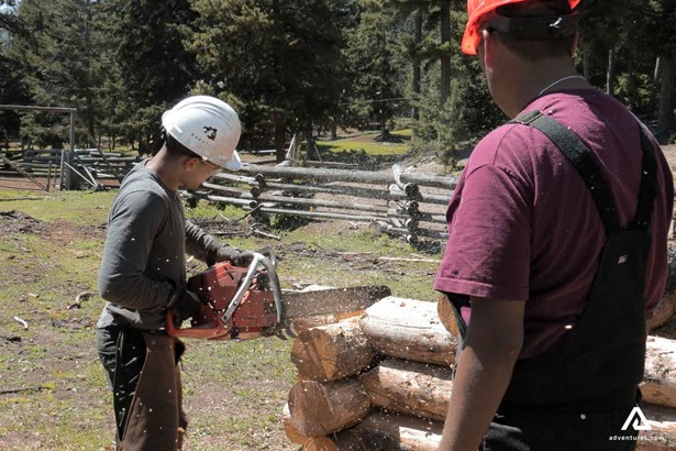 How to build a log cabin course
