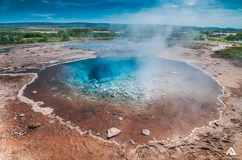 Pool refills after Strokkur geysir eruption