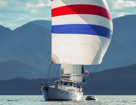Sailing tour around the islands of Haida Gwaii