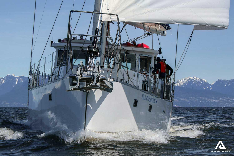 Sailing cruise exterior
