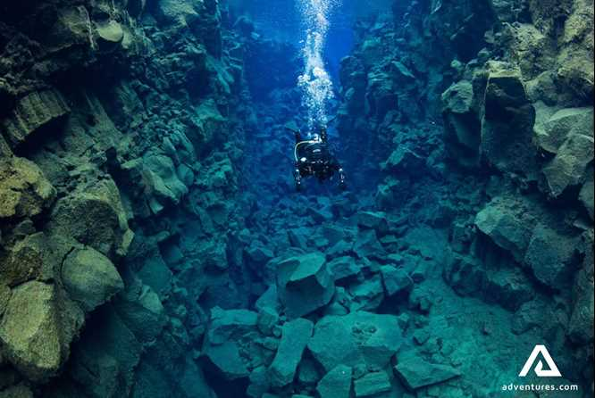 silfra diving day tour at thingvellir national park extreme iceland