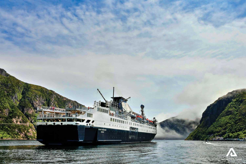 Cruise Ship Ocean Endeavour