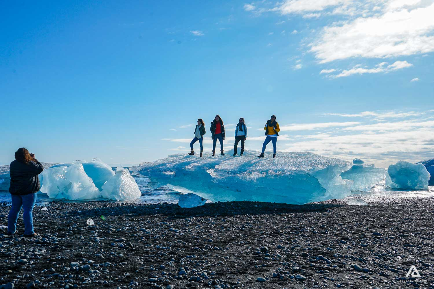 Huge icebergs at the Diamond Beach, 1 kilometre from Jökulsárlón glacier lagoon